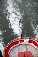 High angle view of French Flag on boat sailing in sea 11100091088| 写真素材・ストックフォト・画像・イラスト素材|アマナイメージズ