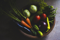 Close-up of healthy vegetables in basket on table 11100091460| 写真素材・ストックフォト・画像・イラスト素材|アマナイメージズ