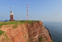 Red rock cliffs, transmission tower and lighthouse 11102001358| 写真素材・ストックフォト・画像・イラスト素材|アマナイメージズ