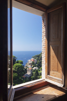 View from Castello Brown Castle to Chiesa San Giorgio church, Portofino, Riviera di Levante, Province of Genoa, Liguria 11104013188| 写真素材・ストックフォト・画像・イラスト素材|アマナイメージズ