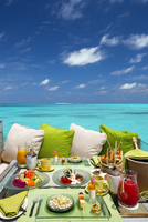 Breakfast with a view, Maldives, Indian Ocean, Asia 11104030223| 写真素材・ストックフォト・画像・イラスト素材|アマナイメージズ