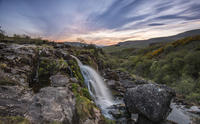 Sunset at the Loup o Fintry waterfall near the village of Fintry, Stirlingshire, Scotland, United Kingdom, Europe 11104031483| 写真素材・ストックフォト・画像・イラスト素材|アマナイメージズ