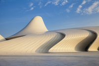 Azerbaijan, Baku, Heydar Aliyev Cultural Center - a Library, Museum and Conference center 11108000292| 写真素材・ストックフォト・画像・イラスト素材|アマナイメージズ