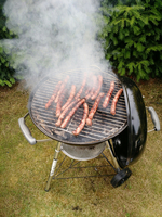 High Angle View Of Barbeque Grill With Sausages 11115026980| 写真素材・ストックフォト・画像・イラスト素材|アマナイメージズ