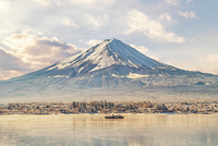 Scenic View Of Lake And Mount Fuji Against Sky 11115044696| 写真素材・ストックフォト・画像・イラスト素材|アマナイメージズ