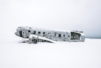 Abandoned Airplane Against Clear Sky During Winter 11115052693| 写真素材・ストックフォト・画像・イラスト素材|アマナイメージズ
