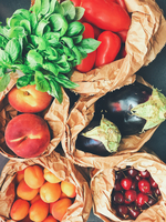 Directly Above Shot Of Fruits And Vegetables In Paper Bags 11115078868| 写真素材・ストックフォト・画像・イラスト素材|アマナイメージズ