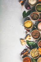 Close-up Of Various Spices In Bowls On Table 11115081073| 写真素材・ストックフォト・画像・イラスト素材|アマナイメージズ