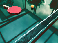 High Angle View Of Racket And Ball On Table 11115168625| 写真素材・ストックフォト・画像・イラスト素材|アマナイメージズ