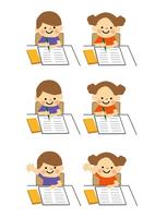 男の子と女の子 学習 60002000020| 写真素材・ストックフォト・画像・イラスト素材|アマナイメージズ