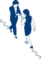 歩行中スマートフォンを見る女性会社員 60009000370  写真素材・ストックフォト・画像・イラスト素材 アマナイメージズ