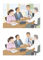 他社との比較をタブレットで見せている上司 60030000038| 写真素材・ストックフォト・画像・イラスト素材|アマナイメージズ