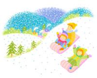 雪の中ソリ遊びの子供3人 02237003996| 写真素材・ストックフォト・画像・イラスト素材|アマナイメージズ
