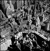 USA. NYC. 1949.  Viewing balcony on Empire State Building. 02265039470| 写真素材・ストックフォト・画像・イラスト素材|アマナイメージズ