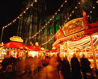 Cologne Cathedral and Christmas Market 20023004275| 写真素材・ストックフォト・画像・イラスト素材|アマナイメージズ