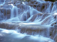 Water and rock at Dunns River Falls,Close up 20023004430| 写真素材・ストックフォト・画像・イラスト素材|アマナイメージズ