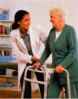 Physiotherapist Helping Patient with Walker 20025036924| 写真素材・ストックフォト・画像・イラスト素材|アマナイメージズ