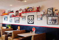 Interior of Midpoint Cafe on Route 66, Adrian, Texas, USA 20025297158| 写真素材・ストックフォト・画像・イラスト素材|アマナイメージズ