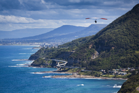 Hang glider at Stanwell Tops Lookout, Royal National Park, Sydney, New South Wales, Australia 20025313336| 写真素材・ストックフォト・画像・イラスト素材|アマナイメージズ