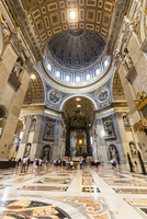 St Peter's Cathedral interior, Altar and Baldachino, Vatican City, Rome, Italy 20025324069| 写真素材・ストックフォト・画像・イラスト素材|アマナイメージズ