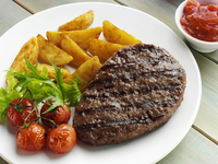 Grilled steak wedges and tomatoes 20025327326| 写真素材・ストックフォト・画像・イラスト素材|アマナイメージズ