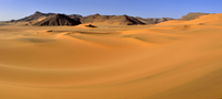 Africa, Algeria, Sahara, Tassili N'Ajjer National Park, Tadrart, Sand dune at the western escarpment of Tadrart plateau 20025331017| 写真素材・ストックフォト・画像・イラスト素材|アマナイメージズ