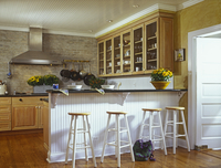 KITCHEN: Modern Country style. Bar with stools. Very classic and simple. 20025340917| 写真素材・ストックフォト・画像・イラスト素材|アマナイメージズ