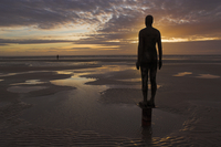 Another Place statues by artist Antony Gormley on Crosby beach, Merseyside, England, United Kingdom, Europe 20025357725| 写真素材・ストックフォト・画像・イラスト素材|アマナイメージズ