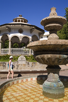 Fountain and bandstand in Zocalo Plaza, Old Town Acapulco, State of Guerrero, Mexico, North America 20025362981| 写真素材・ストックフォト・画像・イラスト素材|アマナイメージズ