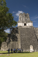 Temple No. 2 (Temple of the Masks), Great Plaza, Tikal, UNESCO World Heritage Site, Tikal National Park, Peten, Guatemala, Centr 20025363137| 写真素材・ストックフォト・画像・イラスト素材|アマナイメージズ