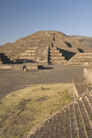 Pyramid of the Moon, Archaeological Zone of Teotihuacan, UNESCO World Heritage Site, Mexico, North America 20025363151| 写真素材・ストックフォト・画像・イラスト素材|アマナイメージズ