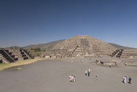 Pyramid of the Moon, Archaeological Zone of Teotihuacan, UNESCO World Heritage Site, Mexico, North America 20025363154| 写真素材・ストックフォト・画像・イラスト素材|アマナイメージズ