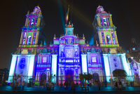 Light show at Cathedral Metropolitana, District Federal, Mexico City, Mexico, North America 20025363882| 写真素材・ストックフォト・画像・イラスト素材|アマナイメージズ
