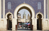 City gate of Bab Boujeloud (Blue Gate), Medina, Fez (Fes), UNESCO World Heritage Site, Morocco, North Africa, Africa 20025364306| 写真素材・ストックフォト・画像・イラスト素材|アマナイメージズ