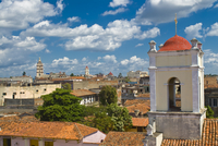 View over Camaguey, Cuba, West Indies, Caribbean, Central America 20025364763| 写真素材・ストックフォト・画像・イラスト素材|アマナイメージズ