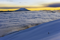 View from Volcan Cotopaxi, 5897m, highest active volcano in the world, Ecuador, South America 20025365521| 写真素材・ストックフォト・画像・イラスト素材|アマナイメージズ