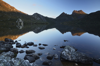Cradle Mountain and Dove Lake, Cradle Mountain-Lake St. Clair National Park, UNESCO World Heritage Site, Tasmania, Australia, Pa 20025365754| 写真素材・ストックフォト・画像・イラスト素材|アマナイメージズ