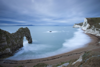 Durdle Door beach on the Jurassic Coast in winter, UNESCO World Heritage Site, Dorset, England, United Kingdom, Europe 20025366234| 写真素材・ストックフォト・画像・イラスト素材|アマナイメージズ