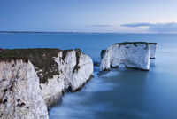Old Harry Rocks at Handfast Point, the start of the Jurassic Coast, UNESCO World Heritage Site, Dorset, England, United Kingdom, 20025366239| 写真素材・ストックフォト・画像・イラスト素材|アマナイメージズ