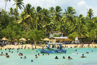 Sri Lankans swimming at the west end of this popular resort and beach, wrecked by the 2004 tsunami, Unawatuna, Galle, Sri Lanka, 20025370093| 写真素材・ストックフォト・画像・イラスト素材|アマナイメージズ