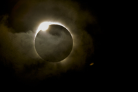 Diamond ring effect during total eclipse of the sun on 13 November 2012 from Palm Cove, Cairns, North Queensland, Australia, Pac 20025376722| 写真素材・ストックフォト・画像・イラスト素材|アマナイメージズ