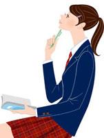ペンを持って考える女子学生 20037005450| 写真素材・ストックフォト・画像・イラスト素材|アマナイメージズ