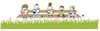 ベンチに座って本を読む子供たち 20037007152| 写真素材・ストックフォト・画像・イラスト素材|アマナイメージズ