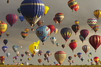 Hot-air balloons in the air (Composite image) 20038013584| 写真素材・ストックフォト・画像・イラスト素材|アマナイメージズ