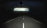 Blue sky in rear view mirror of car with dark straight road ahead 20039008670| 写真素材・ストックフォト・画像・イラスト素材|アマナイメージズ