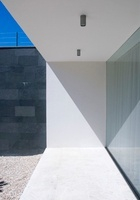 Facade of an architect-designed house with large window 20052000056| 写真素材・ストックフォト・画像・イラスト素材|アマナイメージズ
