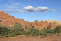 Kasbah / casbah of Ait Benhaddou / Ksar of Ait-Ben-Haddou, fortified city in Souss-Massa-Draa, Morocco, North Africa. (Photo by: 20053014928| 写真素材・ストックフォト・画像・イラスト素材|アマナイメージズ