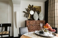 Thameside apartment furnished with design pieces, unusual wo 20054000549| 写真素材・ストックフォト・画像・イラスト素材|アマナイメージズ
