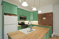 New Kitchen With Butcher Block Island, Porcelain Sink And Green Cabinets 20055022334| 写真素材・ストックフォト・画像・イラスト素材|アマナイメージズ