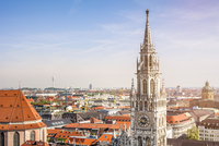 Munich overview with top of the town hall in front 20055032724| 写真素材・ストックフォト・画像・イラスト素材|アマナイメージズ